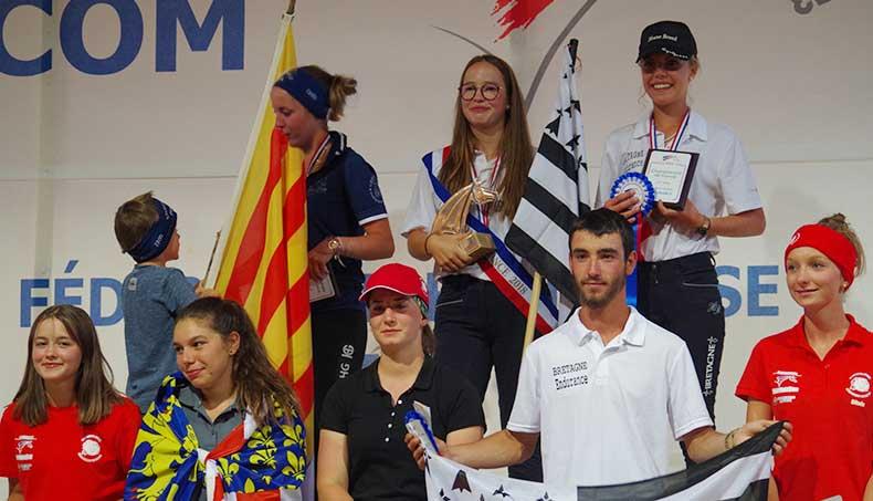 podium des 8 récompensés à Aumont-Aubrac 2018, championnat des As jeunes cavaliers